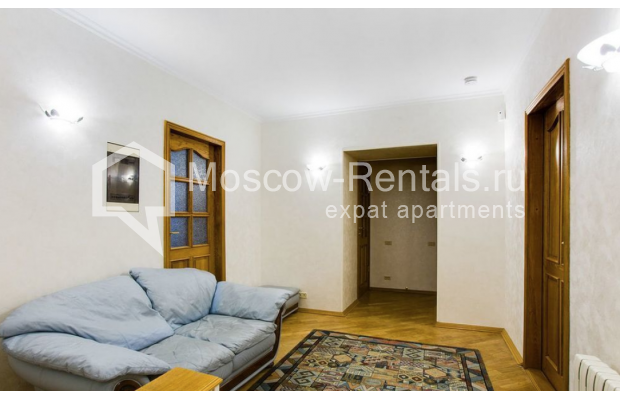 "Photo #6 3-room (2 BR) apartment for <a href=""http://moscow-rentals.ru/en/articles/long-term-rent"" target=""_blank"">a long-term</a> rent  in Russia, Moscow, Spiridonovka str, 18"