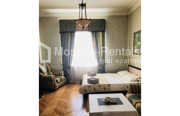 """Photo #2 3-room (2 BR) apartment for <a href=""""http://moscow-rentals.ru/en/articles/long-term-rent"""" target=""""_blank"""">a long-term</a> rent  in Russia, Moscow, Sadovaya-Kudrinskaya str, 8/12"""
