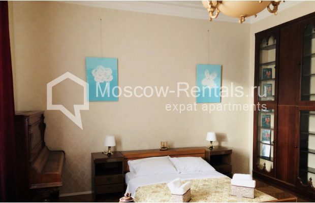 """Photo #4 3-room (2 BR) apartment for <a href=""""http://moscow-rentals.ru/en/articles/long-term-rent"""" target=""""_blank"""">a long-term</a> rent  in Russia, Moscow, Sadovaya-Kudrinskaya str, 8/12"""