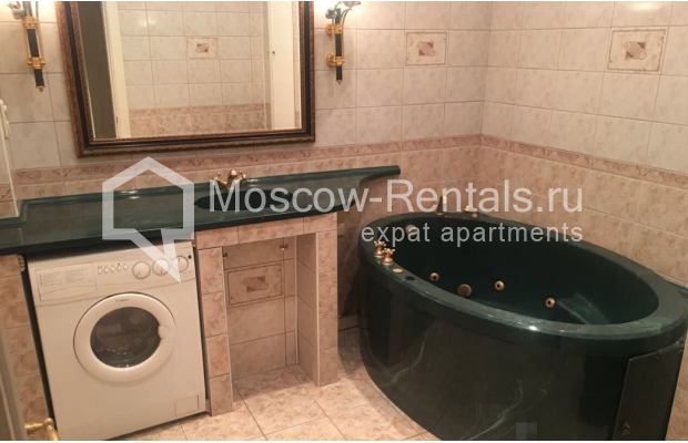 """Photo #17 3-room (2 BR) apartment for <a href=""""http://moscow-rentals.ru/en/articles/long-term-rent"""" target=""""_blank"""">a long-term</a> rent  in Russia, Moscow, Sadovaya-Kudrinskaya str, 8/12"""