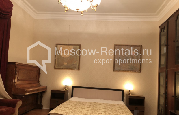 """Photo #9 3-room (2 BR) apartment for <a href=""""http://moscow-rentals.ru/en/articles/long-term-rent"""" target=""""_blank"""">a long-term</a> rent  in Russia, Moscow, Sadovaya-Kudrinskaya str, 8/12"""