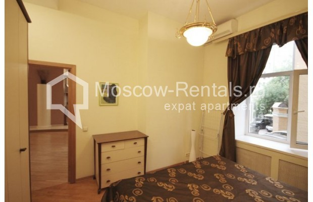 """Photo #4 2-room (1 BR) apartment <u>for a long-term rent</u> (<a href=""""http://moscow-rentals.ru/en/articles/long-term-rent"""" target=""""_blank"""">FAQ</a>)    in Russia, Moscow, Trekhprudnyi lane, 5"""