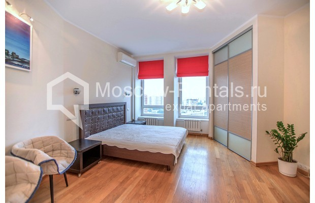 """Photo #1 2-room (1 BR) apartment for <a href=""""http://moscow-rentals.ru/en/articles/long-term-rent"""" target=""""_blank"""">a long-term</a> rent  in Russia, Moscow, Profsoyuznaya str, 104"""