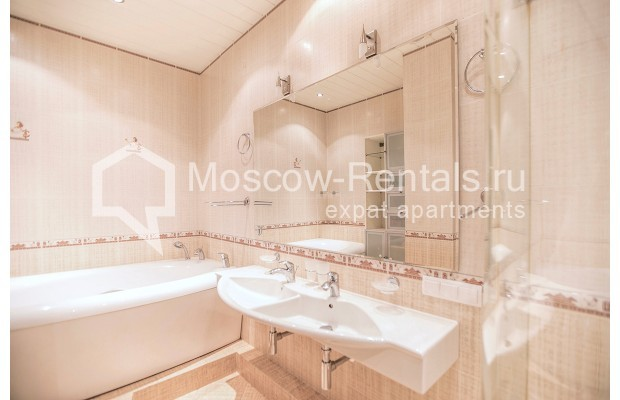 """Photo #9 2-room (1 BR) apartment for <a href=""""http://moscow-rentals.ru/en/articles/long-term-rent"""" target=""""_blank"""">a long-term</a> rent  in Russia, Moscow, Profsoyuznaya str, 104"""