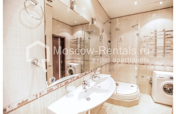 """Photo #10 2-room (1 BR) apartment for <a href=""""http://moscow-rentals.ru/en/articles/long-term-rent"""" target=""""_blank"""">a long-term</a> rent  in Russia, Moscow, Profsoyuznaya str, 104"""