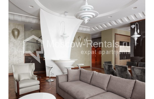 "Photo #4 7-room (6 BR) apartment <u>for a long-term rent</u> (<a href=""http://moscow-rentals.ru/en/articles/long-term-rent"" target=""_blank"">FAQ</a>)    in Russia, Moscow, Chapaevskyi lane, 3"