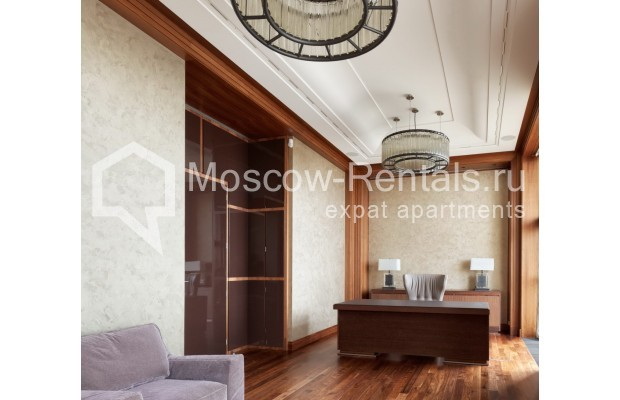 "Photo #14 7-room (6 BR) apartment <u>for a long-term rent</u> (<a href=""http://moscow-rentals.ru/en/articles/long-term-rent"" target=""_blank"">FAQ</a>)    in Russia, Moscow, Chapaevskyi lane, 3"