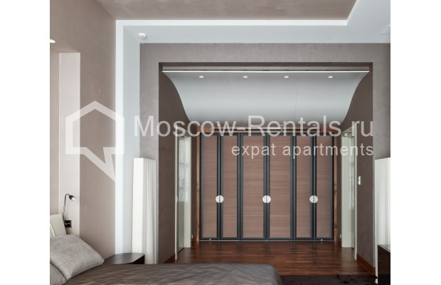 "Photo #15 7-room (6 BR) apartment <u>for a long-term rent</u> (<a href=""http://moscow-rentals.ru/en/articles/long-term-rent"" target=""_blank"">FAQ</a>)    in Russia, Moscow, Chapaevskyi lane, 3"