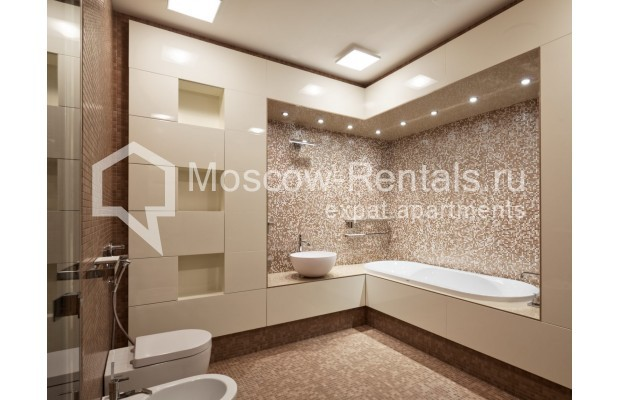 "Photo #19 7-room (6 BR) apartment <u>for a long-term rent</u> (<a href=""http://moscow-rentals.ru/en/articles/long-term-rent"" target=""_blank"">FAQ</a>)    in Russia, Moscow, Chapaevskyi lane, 3"