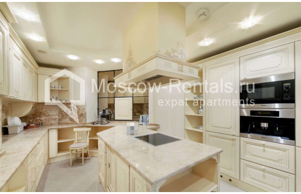 "Photo #7 7-room (6 BR) apartment <u>for a long-term rent</u> (<a href=""http://moscow-rentals.ru/en/articles/long-term-rent"" target=""_blank"">FAQ</a>)    in Russia, Moscow, Komsomolskyi prosp, 32"