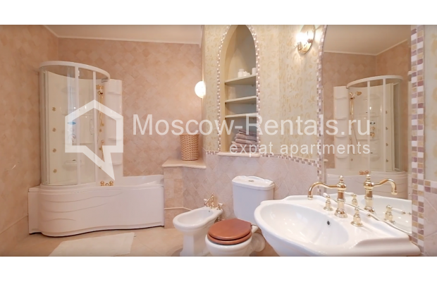 "Photo #20 7-room (6 BR) apartment <u>for a long-term rent</u> (<a href=""http://moscow-rentals.ru/en/articles/long-term-rent"" target=""_blank"">FAQ</a>)    in Russia, Moscow, Komsomolskyi prosp, 32"