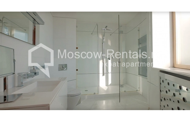 "Photo #21 7-room (6 BR) apartment <u>for a long-term rent</u> (<a href=""http://moscow-rentals.ru/en/articles/long-term-rent"" target=""_blank"">FAQ</a>)    in Russia, Moscow, Komsomolskyi prosp, 32"