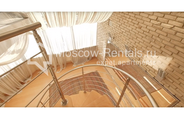 "Photo #24 7-room (6 BR) apartment <u>for a long-term rent</u> (<a href=""http://moscow-rentals.ru/en/articles/long-term-rent"" target=""_blank"">FAQ</a>)    in Russia, Moscow, Komsomolskyi prosp, 32"