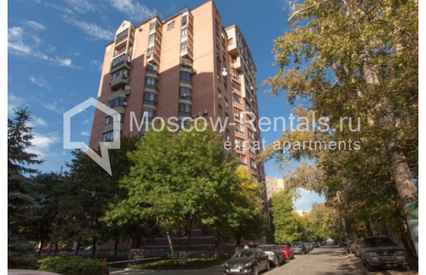"Photo #1 7-room (6 BR) apartment <u>for a long-term rent</u> (<a href=""http://moscow-rentals.ru/en/articles/long-term-rent"" target=""_blank"">FAQ</a>)    in Russia, Moscow, Nesvizhskyi lane, 12К1"