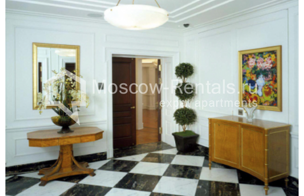 "Photo #9 7-room (6 BR) apartment <u>for a long-term rent</u> (<a href=""http://moscow-rentals.ru/en/articles/long-term-rent"" target=""_blank"">FAQ</a>)    in Russia, Moscow, Nesvizhskyi lane, 12К1"