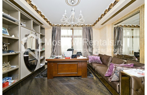"""Photo #7 6-room (5 BR) apartment <u>for a long-term rent</u> (<a href=""""http://moscow-rentals.ru/en/articles/long-term-rent"""" target=""""_blank"""">FAQ</a>)    in Russia, Moscow, Chapaevskyi lane, 3"""