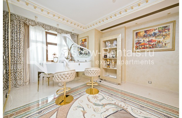 """Photo #15 6-room (5 BR) apartment <u>for a long-term rent</u> (<a href=""""http://moscow-rentals.ru/en/articles/long-term-rent"""" target=""""_blank"""">FAQ</a>)    in Russia, Moscow, Chapaevskyi lane, 3"""