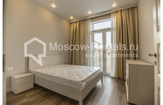 """Photo #4 2-room (1 BR) apartment for <a href=""""http://moscow-rentals.ru/en/articles/long-term-rent"""" target=""""_blank"""">a long-term</a> rent  in Russia, Moscow, Daev lane, 19"""