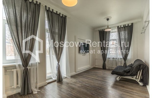 "Photo #3 3-room (2 BR) apartment <u>for a long-term rent</u> (<a href=""http://moscow-rentals.ru/en/articles/long-term-rent"" target=""_blank"">FAQ</a>)    in Russia, Moscow, Novozavodskaya str., 21"