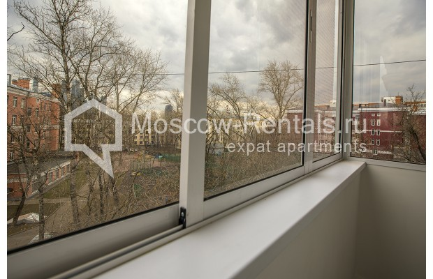 "Photo #12 3-room (2 BR) apartment <u>for a long-term rent</u> (<a href=""http://moscow-rentals.ru/en/articles/long-term-rent"" target=""_blank"">FAQ</a>)    in Russia, Moscow, Novozavodskaya str., 21"