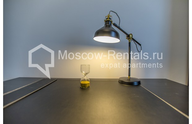 "Photo #10 3-room (2 BR) apartment <u>for a long-term rent</u> (<a href=""http://moscow-rentals.ru/en/articles/long-term-rent"" target=""_blank"">FAQ</a>)    in Russia, Moscow, Novozavodskaya str., 21"