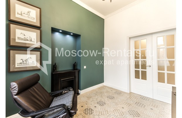 "Photo #6 3-room (2 BR) apartment <u>for a long-term rent</u> (<a href=""http://moscow-rentals.ru/en/articles/long-term-rent"" target=""_blank"">FAQ</a>)    in Russia, Moscow, Novozavodskaya str., 21"