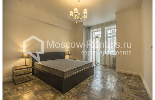 "Photo #7 3-room (2 BR) apartment <u>for a long-term rent</u> (<a href=""http://moscow-rentals.ru/en/articles/long-term-rent"" target=""_blank"">FAQ</a>)    in Russia, Moscow, Novozavodskaya str., 21"