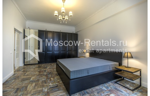 "Photo #8 3-room (2 BR) apartment <u>for a long-term rent</u> (<a href=""http://moscow-rentals.ru/en/articles/long-term-rent"" target=""_blank"">FAQ</a>)    in Russia, Moscow, Novozavodskaya str., 21"