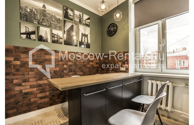 "Photo #1 3-room (2 BR) apartment <u>for a long-term rent</u> (<a href=""http://moscow-rentals.ru/en/articles/long-term-rent"" target=""_blank"">FAQ</a>)    in Russia, Moscow, Novozavodskaya str., 21"