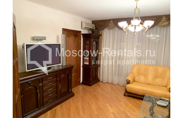 "Photo #4 2-room (1 BR) apartment <u>for a long-term rent</u> (<a href=""http://moscow-rentals.ru/en/articles/long-term-rent"" target=""_blank"">FAQ</a>)    in Russia, Moscow, Chernyakhovskogo str, 2"