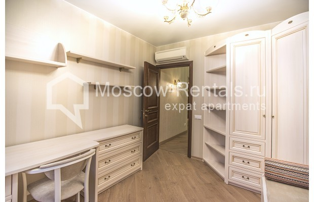 "Photo #8 3-room (2 BR) apartment <u>for a long-term rent</u> (<a href=""http://moscow-rentals.ru/en/articles/long-term-rent"" target=""_blank"">FAQ</a>)    in Russia, Moscow, Kastanaevskaya str, 45 к 2"