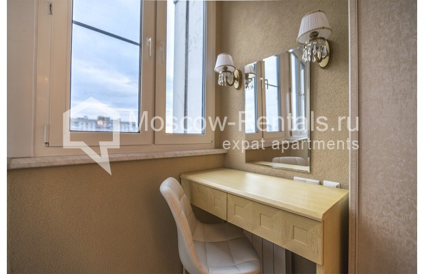 "Photo #6 3-room (2 BR) apartment <u>for a long-term rent</u> (<a href=""http://moscow-rentals.ru/en/articles/long-term-rent"" target=""_blank"">FAQ</a>)    in Russia, Moscow, Kastanaevskaya str, 45 к 2"