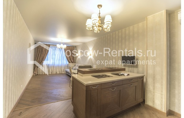"Photo #3 3-room (2 BR) apartment <u>for a long-term rent</u> (<a href=""http://moscow-rentals.ru/en/articles/long-term-rent"" target=""_blank"">FAQ</a>)    in Russia, Moscow, Kastanaevskaya str, 45 к 2"
