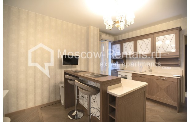 "Photo #2 3-room (2 BR) apartment <u>for a long-term rent</u> (<a href=""http://moscow-rentals.ru/en/articles/long-term-rent"" target=""_blank"">FAQ</a>)    in Russia, Moscow, Kastanaevskaya str, 45 к 2"