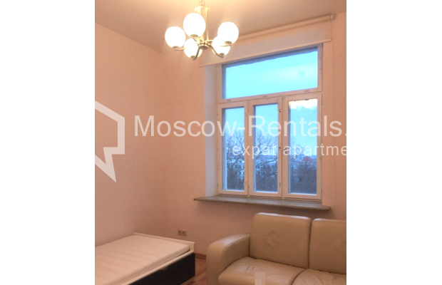 "Photo #11 3-room (2 BR) apartment for <a href=""http://moscow-rentals.ru/en/articles/long-term-rent"" target=""_blank"">a long-term</a> rent  in Russia, Moscow, Strastnoi blv., 13А"