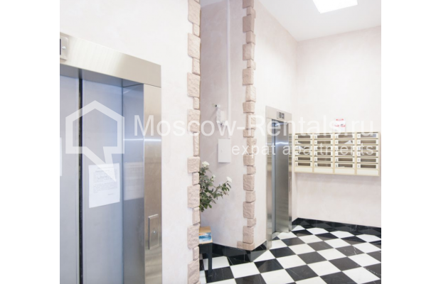 "Photo #10 2-room (1 BR) apartment for <a href=""http://moscow-rentals.ru/en/articles/long-term-rent"" target=""_blank"">a long-term</a> rent  in Russia, Moscow, Sadovaya-Triumphalnaya str., 22/31"