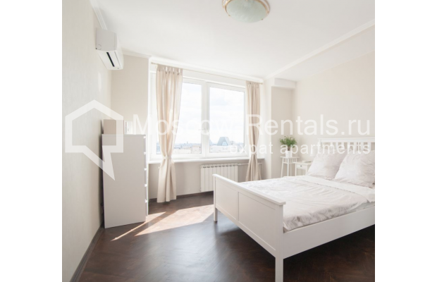 "Photo #1 2-room (1 BR) apartment for <a href=""http://moscow-rentals.ru/en/articles/long-term-rent"" target=""_blank"">a long-term</a> rent  in Russia, Moscow, Sadovaya-Triumphalnaya str., 22/31"