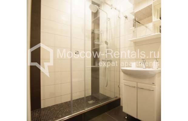 "Photo #7 2-room (1 BR) apartment for <a href=""http://moscow-rentals.ru/en/articles/long-term-rent"" target=""_blank"">a long-term</a> rent  in Russia, Moscow, Sadovaya-Triumphalnaya str., 22/31"