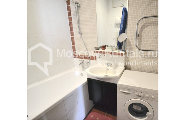 "Photo #11 2-room (1 BR) apartment <u>for a long-term rent</u> (<a href=""http://moscow-rentals.ru/en/articles/long-term-rent"" target=""_blank"">FAQ</a>)    in Russia, Moscow, Kozitskyi lane., 1А"