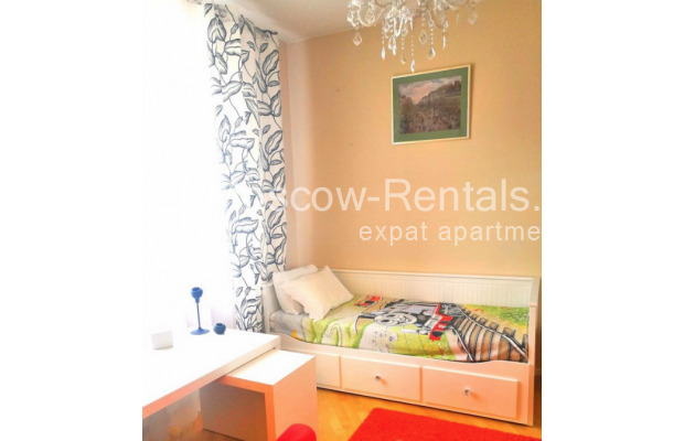 """Photo #9 3-room (2 BR) apartment for <a href=""""http://moscow-rentals.ru/en/articles/long-term-rent"""" target=""""_blank"""">a long-term</a> rent  in Russia, Moscow, Tverskaya str, 8к1"""