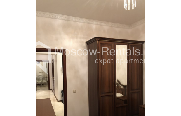 """Photo #7 3-room (2 BR) apartment for <a href=""""http://moscow-rentals.ru/en/articles/long-term-rent"""" target=""""_blank"""">a long-term</a> rent  in Russia, Moscow, Vasilievskaya str, 4"""