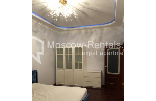 """Photo #9 3-room (2 BR) apartment for <a href=""""http://moscow-rentals.ru/en/articles/long-term-rent"""" target=""""_blank"""">a long-term</a> rent  in Russia, Moscow, Vasilievskaya str, 4"""