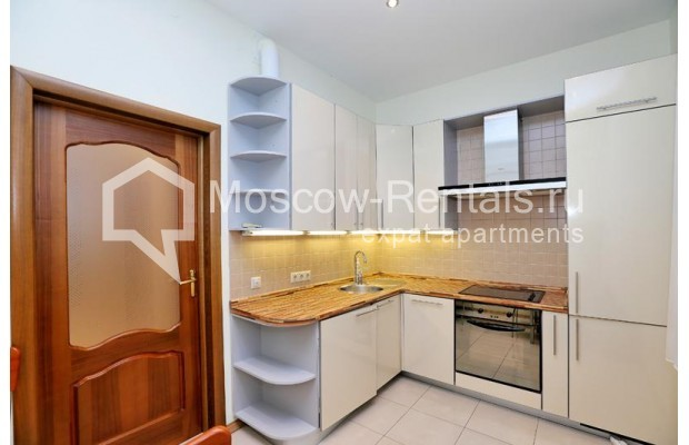 """Photo #9 3-room (2 BR) apartment for <a href=""""http://moscow-rentals.ru/en/articles/long-term-rent"""" target=""""_blank"""">a long-term</a> rent  in Russia, Moscow, Leontievskyi lane., 6С2"""