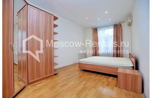 """Photo #5 3-room (2 BR) apartment for <a href=""""http://moscow-rentals.ru/en/articles/long-term-rent"""" target=""""_blank"""">a long-term</a> rent  in Russia, Moscow, Leontievskyi lane., 6С2"""