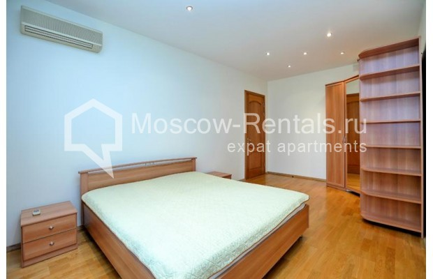 """Photo #4 3-room (2 BR) apartment for <a href=""""http://moscow-rentals.ru/en/articles/long-term-rent"""" target=""""_blank"""">a long-term</a> rent  in Russia, Moscow, Leontievskyi lane., 6С2"""