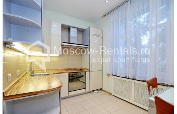 """Photo #8 3-room (2 BR) apartment for <a href=""""http://moscow-rentals.ru/en/articles/long-term-rent"""" target=""""_blank"""">a long-term</a> rent  in Russia, Moscow, Leontievskyi lane., 6С2"""