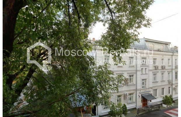 """Photo #14 3-room (2 BR) apartment for <a href=""""http://moscow-rentals.ru/en/articles/long-term-rent"""" target=""""_blank"""">a long-term</a> rent  in Russia, Moscow, Leontievskyi lane., 6С2"""