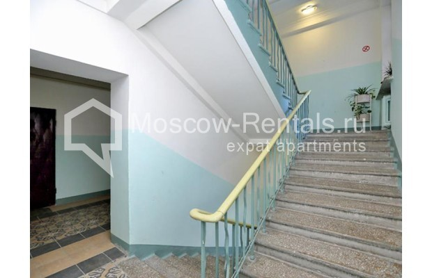 """Photo #13 3-room (2 BR) apartment for <a href=""""http://moscow-rentals.ru/en/articles/long-term-rent"""" target=""""_blank"""">a long-term</a> rent  in Russia, Moscow, Leontievskyi lane., 6С2"""