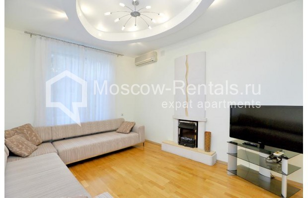 """Photo #1 3-room (2 BR) apartment for <a href=""""http://moscow-rentals.ru/en/articles/long-term-rent"""" target=""""_blank"""">a long-term</a> rent  in Russia, Moscow, Leontievskyi lane., 6С2"""