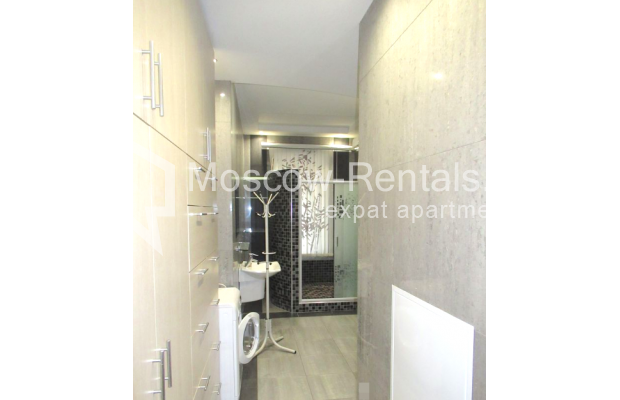 "Photo #6 3-room (2 BR) apartment for <a href=""http://moscow-rentals.ru/en/articles/long-term-rent"" target=""_blank"">a long-term</a> rent  in Russia, Moscow, Petrovskyi blv., 15С1"